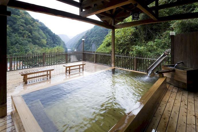 フォトジェ&蒸し風呂で癒やしを!阿蘇・杖立温泉の魅力別お宿7選