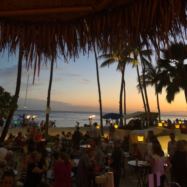 """ちょっぴり背伸びして訪れたい。ハワイの""""大人の夜を楽しむ""""贅沢ディナー店8選"""