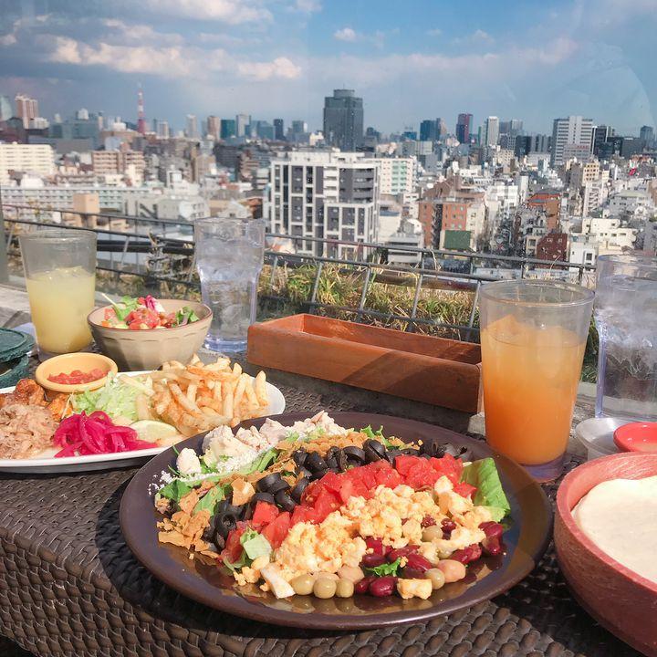 夏デートを大人はこう過ごす。おしゃれに外飲みが楽しめる東京都内のお店12選