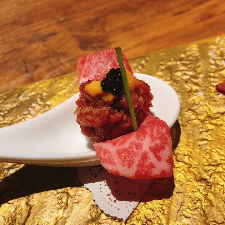 美味しいお肉だけじゃ、物足りない。都内にあるお肉と○○が楽しめるお店をご紹介